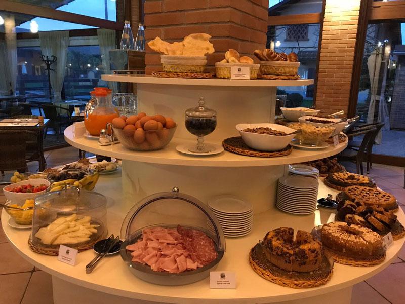 Colazione in hotel a La Camilla