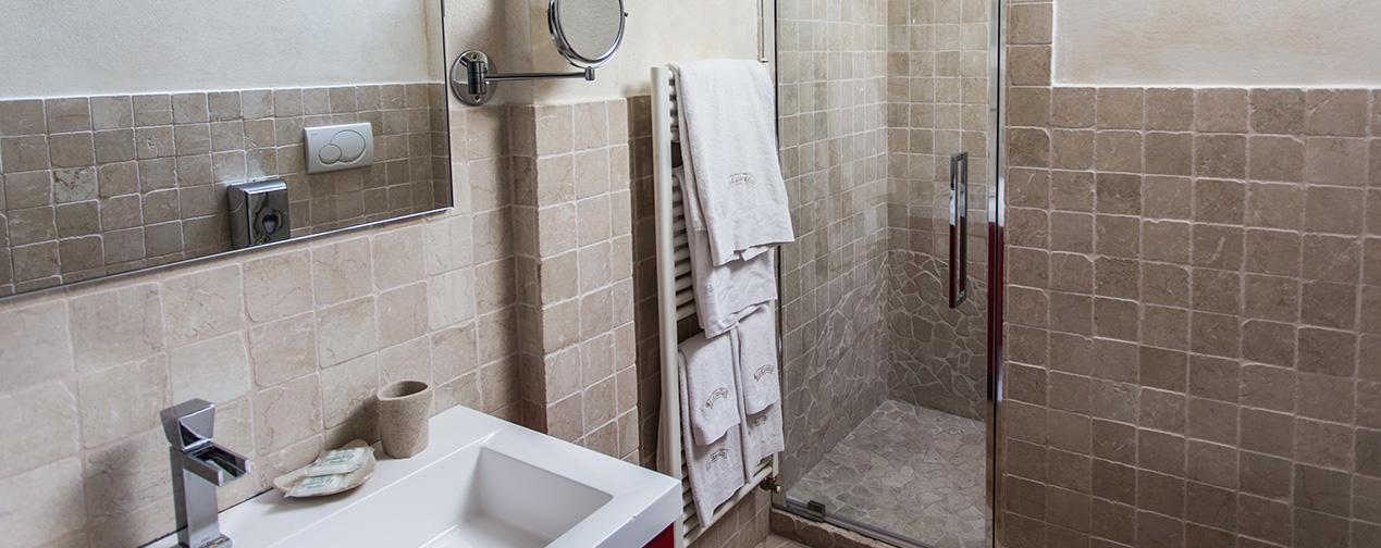 camera con bagno brianza